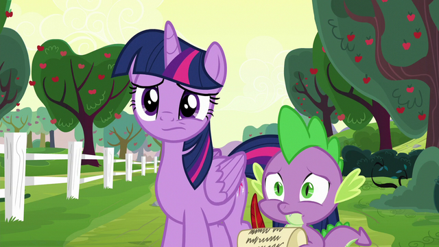 File:Twilight and Spike don't know what to do S6E22.png
