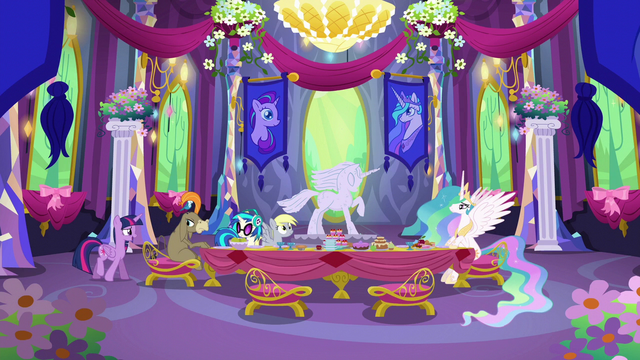 File:Twilight backing out of the party S6E6.png