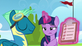 Twilight points at Sky's poor practice marks S6E24.png