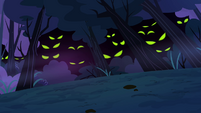 Glowing eyes within the trees S3E6