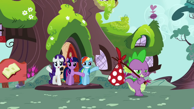 File:Confident Spike leaving for his quest S02E21.png