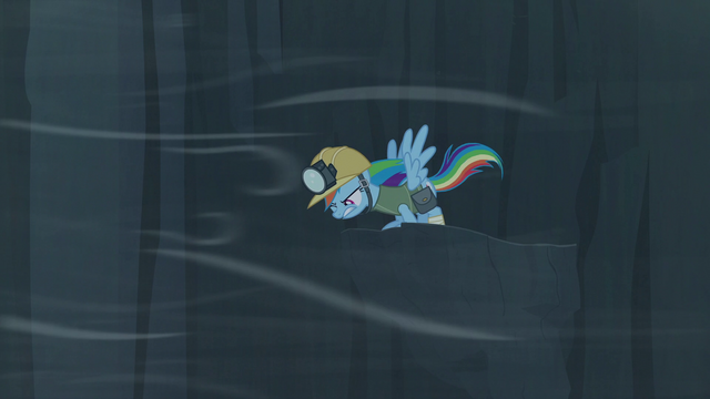 File:Rainbow looks down from the ledge S5E8.png