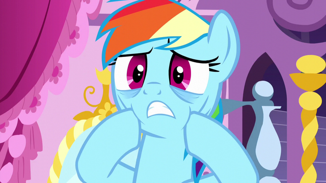 File:Rainbow Dash frightened S5E13.png