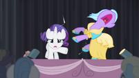 Rarity pushes a pony away S4E08