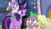 Spike reminds Twilight of the schedule S7E3