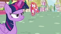 Twilight bends the straw S4E21