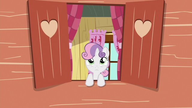 File:Sweetie Belle watches Gabby from the clubhouse S6E19.png