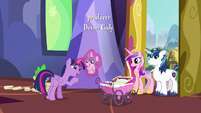 Twilight Sparkle doting on Flurry Heart S7E3