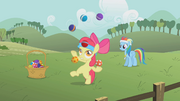 Apple Bloom juggling S1E12