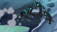 Changeling patrol looks confused at smoke S6E26