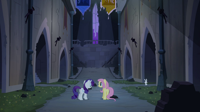File:Rarity and Fluttershy in castle S4E03.png