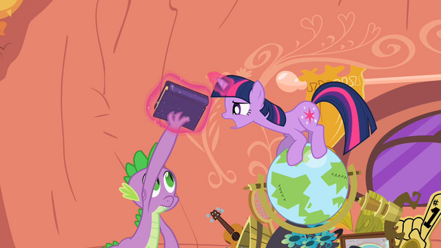 File:Twilight grabby S2E10.png