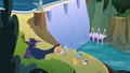 Ponies cheer for Mysterious Mare Do Well S2E08.png