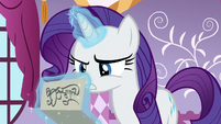 Rarity reading the cake note S6E15