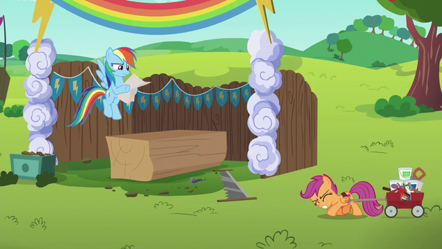 File:Scootaloo dragging heavy load of supplies S6E14.png