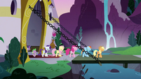Marching out of Canterlot S3E2