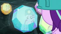 Starlight Glimmer admiring the cave gems S7E4