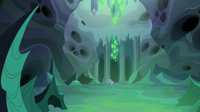 File:Thorax enters Queen Chrysalis' throne room S6E26.png