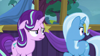 Trixie looking behind herself S6E6