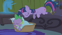 Twilight waking up Spike S1E11
