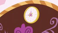 A clock S5E14
