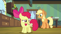 Apple Bloom confused over her cutie mark S5E04
