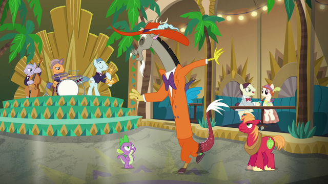 File:Discord dancing to swing music S6E17.png