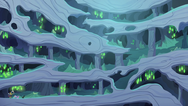 File:Wide view of changeling hive interior S6E25.png