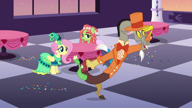 """File:Discord """"looks like somepony wants to mingle"""" S5E7.png"""