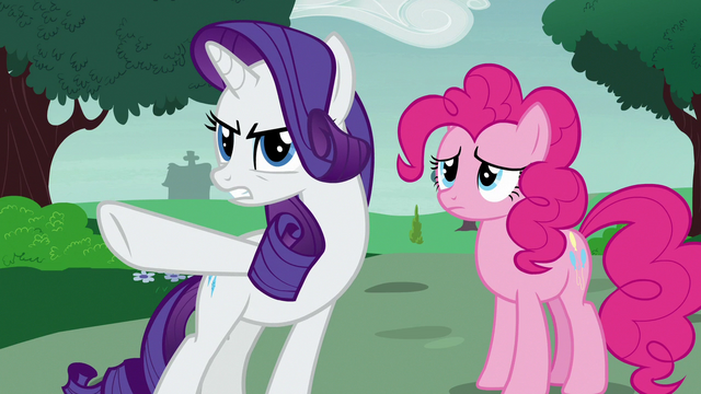 File:Rarity pointing the blame at Applejack S7E9.png