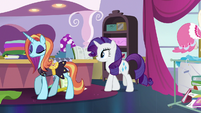 Sassy going to the boutique's back room S7E6