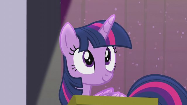 File:Twilight returns to the podium S5E25.png