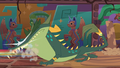 Cipactli snapping its jaws S6E13.png