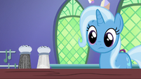 Trixie sees the salt shaker is unchanged S7E2