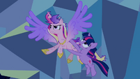 Twilight Cadance flying S2E26