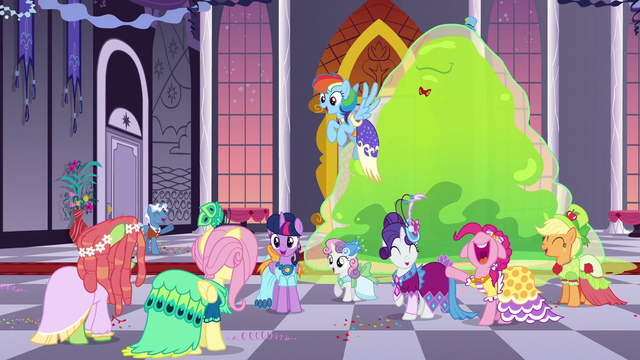 File:Gala ponies cheer for Tree Hugger S5E7.png