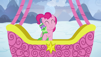 Pinkie Pie hugging Gummy S7E11