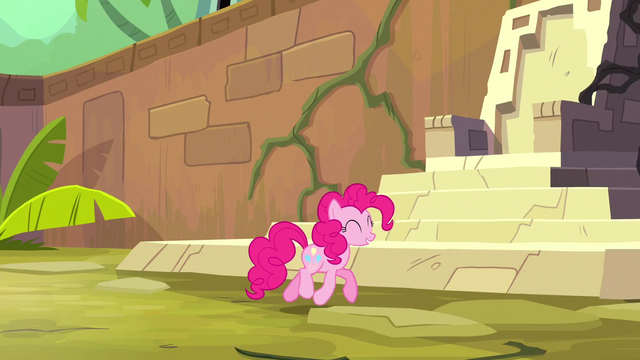 File:Pinkie trotting through dream temple S5E13.png