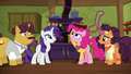 Pinkie balancing curry bowl on her head S6E12.png