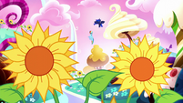 Rainbow and Luna in meadow of living sunflowers S5E13