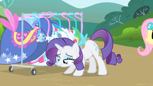 File:Rarity feeling down S1E20.png