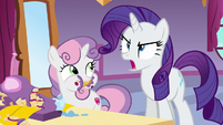 Rarity shouting Rainbow Dash's name S6E15
