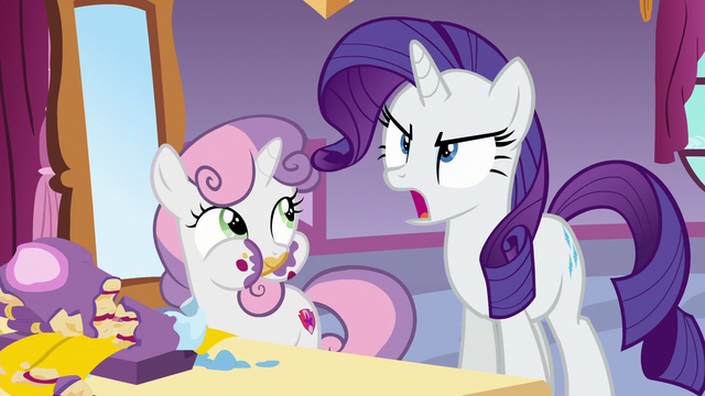 File:Rarity shouting Rainbow Dash's name S6E15.png
