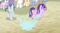 Starlight dodges the water S5E2