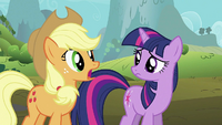 Applejack 'She could be anywhere' S2E02