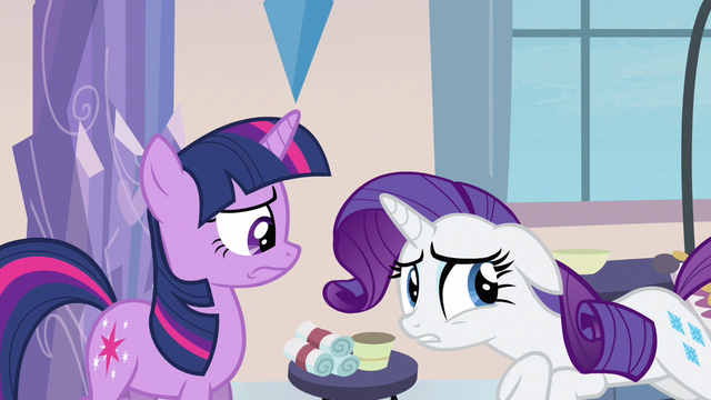 File:Rarity something's gone S3E12.png