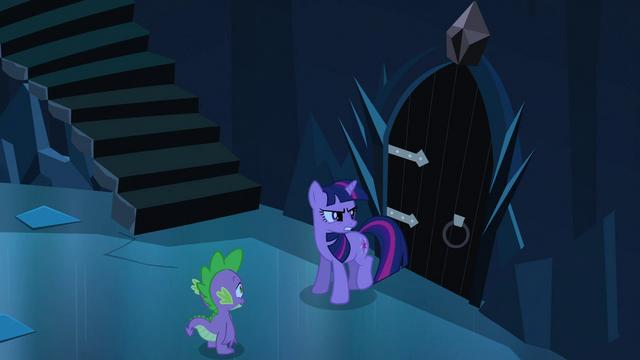 File:Twilight 'King Sombra's dark magic' S3E2.png
