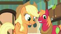 """Applejack """"it's the family historian!"""" S7E13"""
