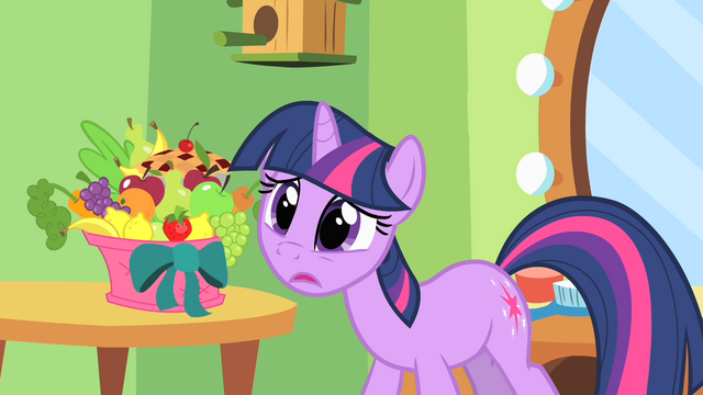 File:Twilight struggling to keep a secret S1E20.png