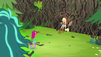 Gloriosa Daisy looks down at Pinkie and Applejack EG4